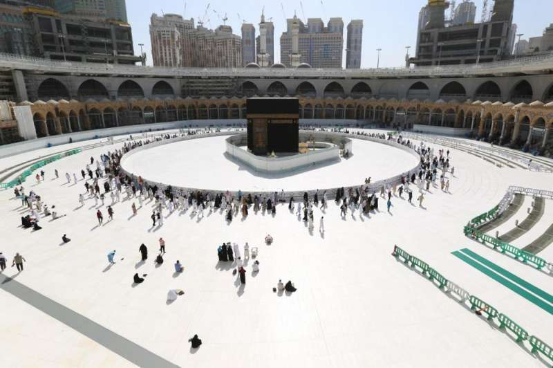 mecca-to-witness-limited-hajj-as-saudi-arabia-bars-pilgrims-from-outside-kingdom-over-pandemic-in-gulf_g2d