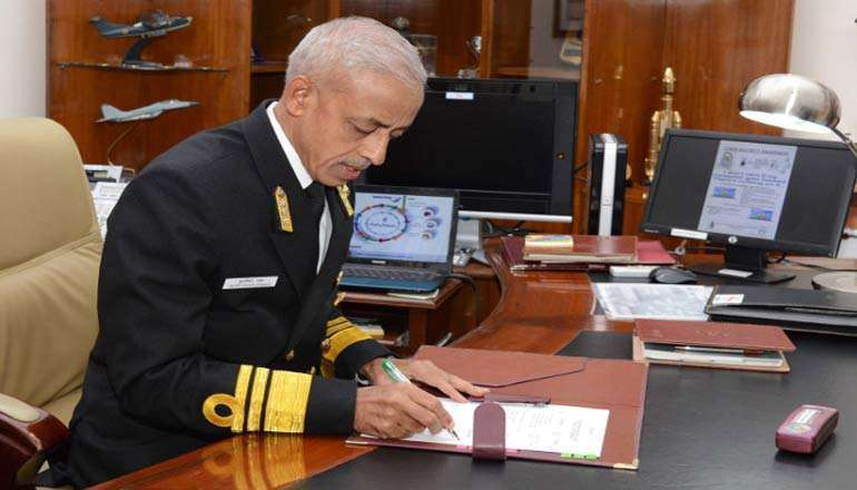 cm-kcrs-gesture-to-col-babus-family-unparalled-vice-admiral-ms-pawar_g2d