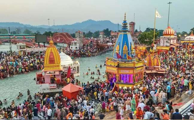 kumbh-mela-2021-haridwar-corona-positive-cases-spike-in-an-alarming-rate_g2d
