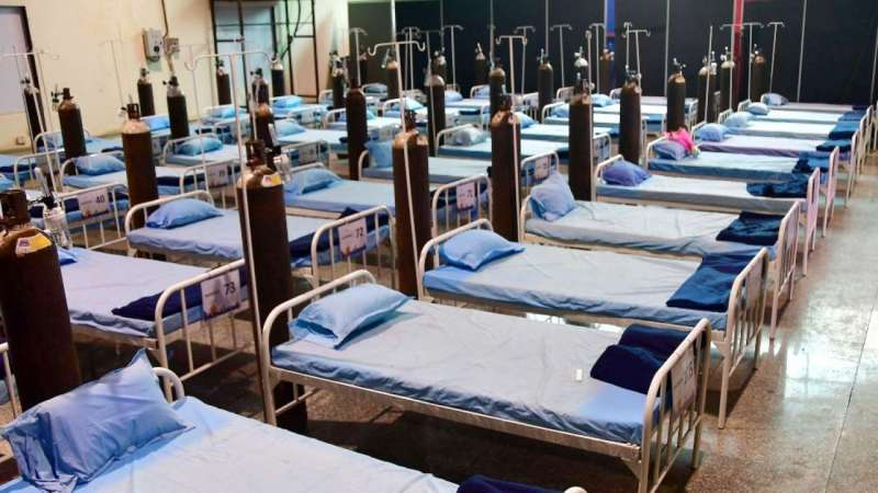 mumbai-star-hotels-turns-in-to-corona-care-centres_g2d