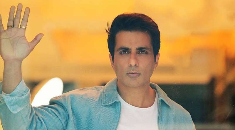 real-hero-sonu-sood-tests-positive-for-covid19-lets-hear-what-he-says_g2d