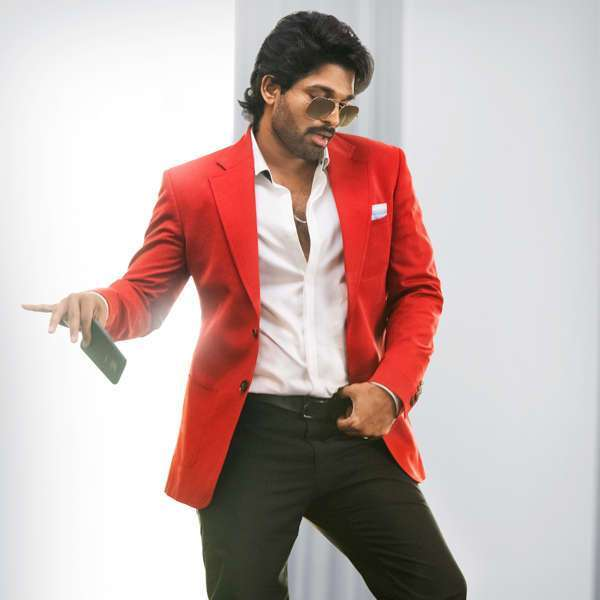 ala-vaikunthapurramuloo-new-sensational-record_g2d