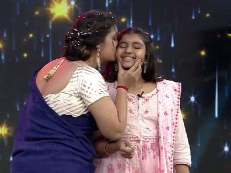 pawan-kalyans-daughter-aadhya-first-public-appearance-on-tv_g2d