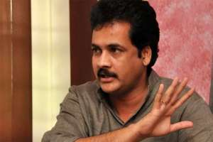 actor-sivaji-detained-by-the-cyber-crime-police-at-shamshabad-airport-_g2d