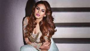 huma-qureshi-sensations-on-casting-couch_g2d