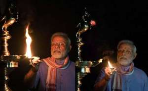 india-lights-millions-of-candles-as-sign-of-solidarity-against--covid-19_g2d
